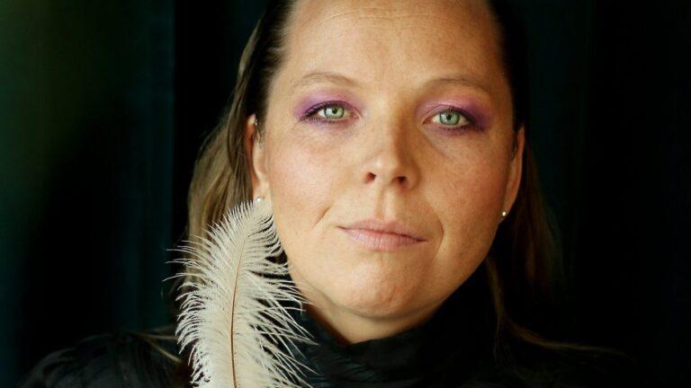 Hanna Ögren, Take Me to Paisley